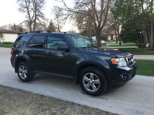2009 Ford Escape XLT SUV (SAFETIED) $5,400 Including taxes