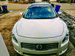 Head turning Maxima Luxury Sport Package!!