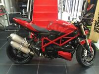 DUCATI F848 848 STREET FIGHTER RED 2012 BIKE. COVERED IN CARBON FIBRE TRIMS !