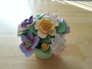 Denton Best Bone China - Floral Arrangement