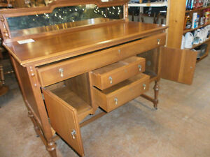 Buffet Hutch with Mirror - Goderich ReStore London Ontario image 2