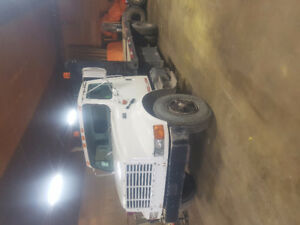 1995 International 4700 DT466