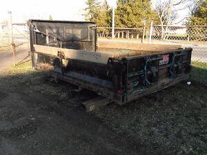Landscape dump box