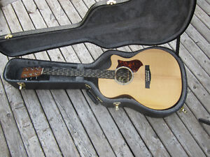 Martin Acoustic-electric With Case