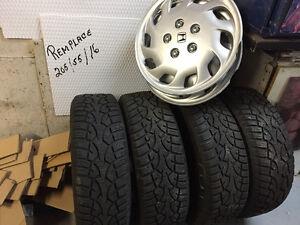 Aubaine** pneus avec roues Honda 195-65R15 remplace 205-55R16