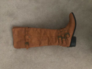 Women's knee high boots for sale size 8.5!
