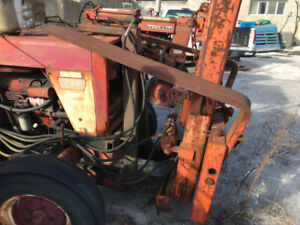 TRACTOR - International 724 w/ forklift on front - $4500