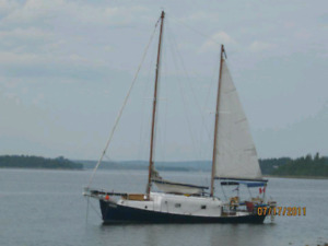 32 foot sail boat with trailer