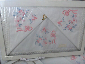 Beautiful Hand Embroidered Linens Imported from Italy-REDUCED! Kitchener / Waterloo Kitchener Area image 3