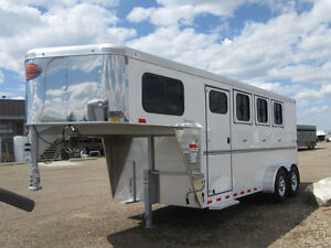 Sundowner Sportman 3 Horse Gooseneck - March Madness Sale
