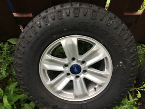 F150 ( 4 MAGS + 4 PNEUS LT  GOODYEAR DURATRAC COMME NEUF )