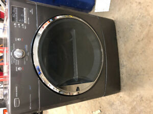 Great Condition Maytag 3000 Dryer with steam cycles *reduced*