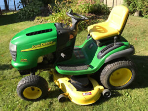 John Deere L120 with 20 HP Briggs and Stratton V-Twin Engine