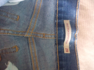 Levi jeans. Womens vintage like Mile High Skinny 29/32