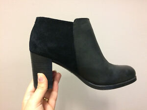 SPERRY ANKLE BOOTIES NEVER WORN