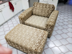 Chair-and-a-half plus ottoman