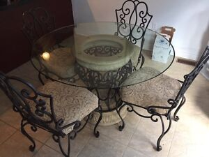 Bombay Company table, stools and wine hutch