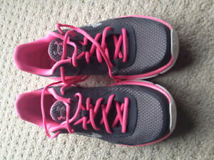 Brand new women's under armour shoes - size 8 London Ontario image 2