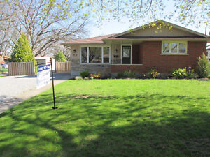 AMAZING 3+1 BEDROOM 2 BATH BUNGALOW - RENT TO OWN - NORTH END