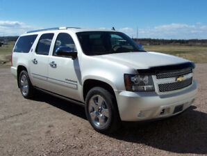 2010 Chevrolet Suburban 75 Year Diamond Edition - LOW KM