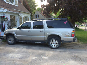 2004 Chevrolet Suburban 4x4 full loaded