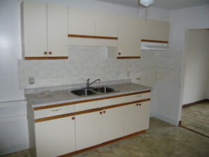 Used kitchen Cabinets in good shape