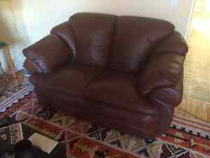 3 Pce Leather Living Room Furniture Set & Household Items