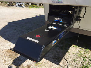 Sidewinder 5th wheel hitch and pin box