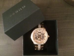 Guess watch Gold brand new