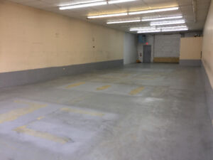 Commercial bay for rent
