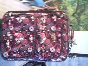 Petite valise sur roue style Monster High