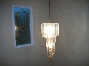 Chandelier with 5 lights.