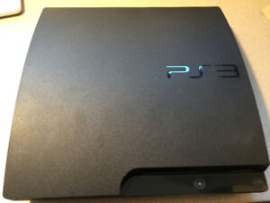 Playstation 3 150G. 3 manettes / 53 jeux