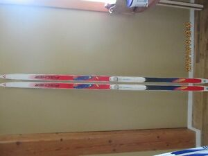 USED CROSSCOUNTRY SKIS