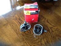 SHIMANO CLIP ON CYCLE PEDALS