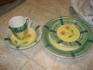 Cute 4 pc dish set