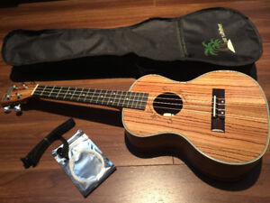 TENOR UKULELE, UKE, 10/10, Like New, Mint Condition, Ukelele