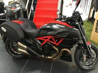 DUCATI DIAVEL CARBON RED WITH FULL TOURING PACK AND ONLY 2800 MILES !!