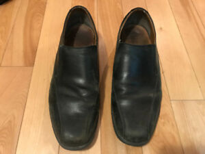 Men's Black leather Clarks dress shoes