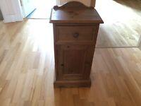 BEDSIDE CABINET - solid wood