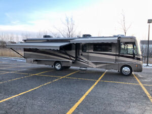 2009 SIGHTSEER 37L*** 3 EXTENSIONS *** LIT KING  ***