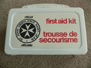ST.JOHN'S FIRST AID KIT