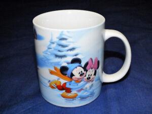 DISNEY CHARACTER WINTER SCENE COFFEE TEA MUG MICKEY MINNIE MOUSE