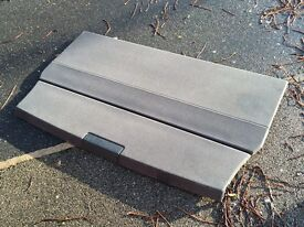 Range Rover Vogue parcel shelf / luggage cover - genuine from 2011 model