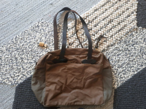 Real deal FILSON unisex canvas and leather bag