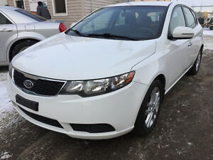 2011 Kia Forte5 Ex Hatchback low km inspected car finance availa