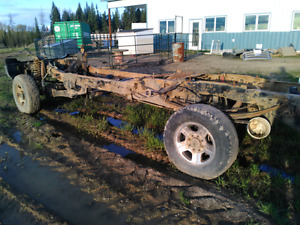 "Ford F350 chassis​ with axles and driveshafts 6"" lift"