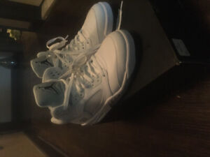 pretty nice 01a16 5eacd Mens Size 9.5 Air Jordan 5 retro white black metallic silver.