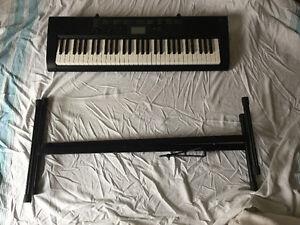 CTK 1100 piano/keyboard