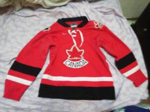 Boys\Girls Nike team Canada size 5 jersey